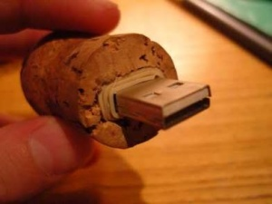 wine-cork-USB
